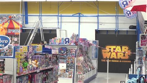 star wars force friday toys r us feature wall