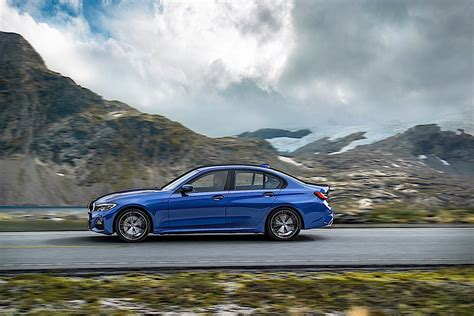 The bmw 3 series is a compact executive car manufactured by the german automaker bmw since may 1975. 2020 BMW 3 Series Review - autoevolution