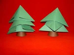 Tannenbaum Falten Aus Papier : weihnachtsbaum aus papier basteln tannenbaum falten ~ A.2002-acura-tl-radio.info Haus und Dekorationen