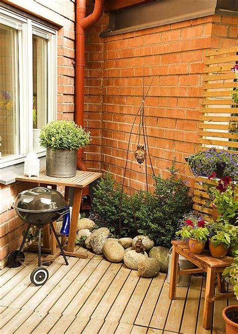 Corner Small Garden Apartment Ideas  Interior Design Ideas