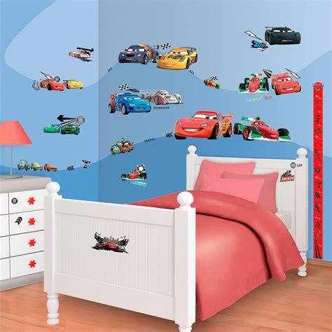 decoration cars pour chambre l 39 aménagement d 39 une chambre d 39 enfant fauteuil pour enfant