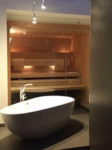 Freistehende Badewanne Im Schlafzimmer : klafs sauna und freistehende badewanne ~ Bigdaddyawards.com Haus und Dekorationen
