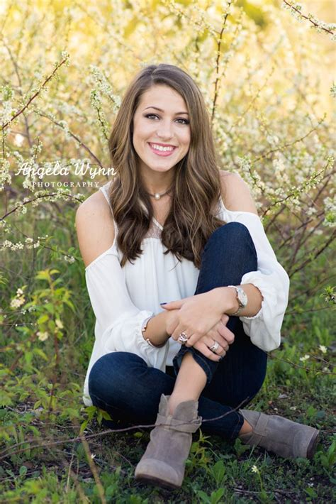 senior ideas 25 best ideas about senior girl photography on pinterest senior pics senior girl poses and