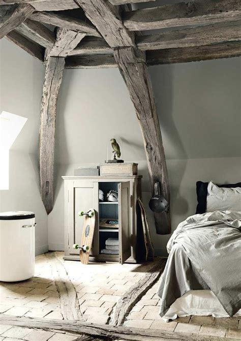 chambre en bois poutres en bois pour la déco de la chambre à coucher moderne