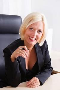 Frisuren Fürs Büro : business frisuren f rs b ro perfekt schminken ~ Frokenaadalensverden.com Haus und Dekorationen