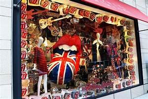Barneys New-York Ginza Flagship Store Window Display In ...