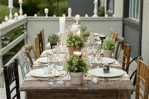 We {heart} Outdoor Dinner Parties!