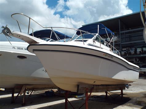 Used Grady White Cuddy Cabin Boats For Sale by 1995 Used Grady White Explorer 24 Cuddy Cabin Boat For