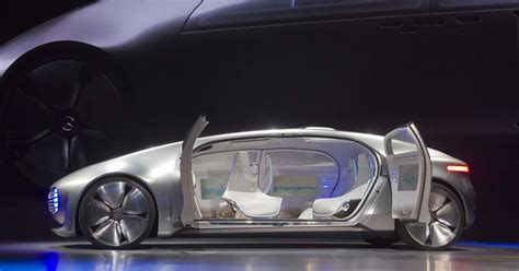Video Feature Inside The F 015, Mercedes's Selfdriving