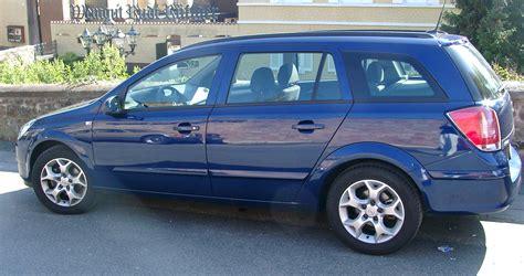 File:Opel Astra Kombi.jpg - Wikimedia Commons