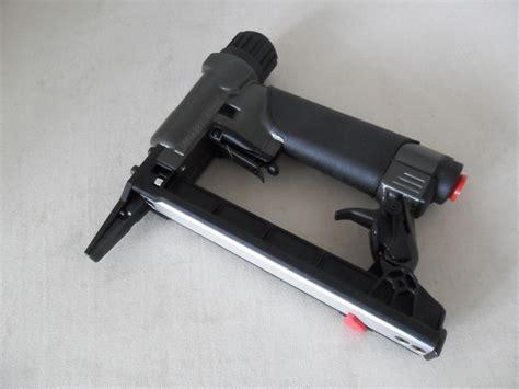 upholstery staple gun rainco upholstery staple gun 2 quot nose