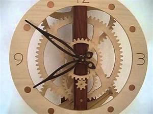 Uhrwerk Selber Bauen : holzuhr holzr deruhr pendeluhr aus holz wooden clock ~ Lizthompson.info Haus und Dekorationen