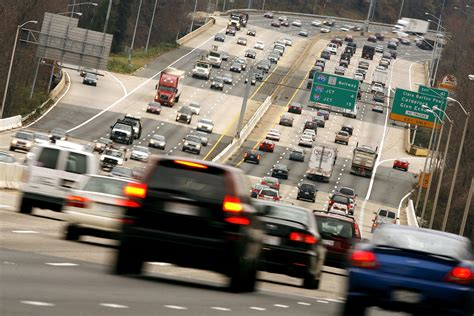 Review Finds Telework, Mass Transit, Work Close To Home
