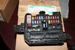 2002 Mazda Tribute Ford Escape Fuse Block  U0026 Relay Box