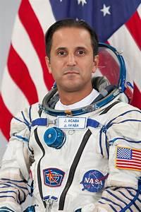Astronaut Biography: Joseph Acaba