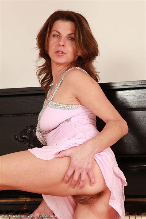 Patris Polish Her Pearl By The Piano Milf Fox