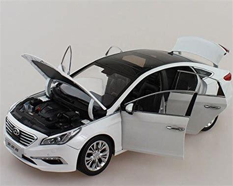 hyundai sonata   lf diecast model car white