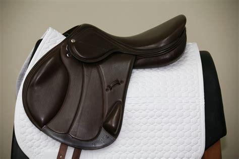 saddle monoflap amerigo vega jump saddles jumping