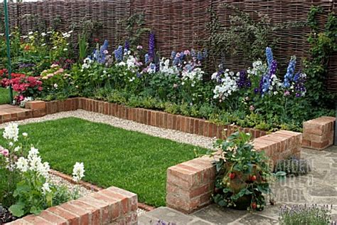 simple landscape ideas brick landscaping borders