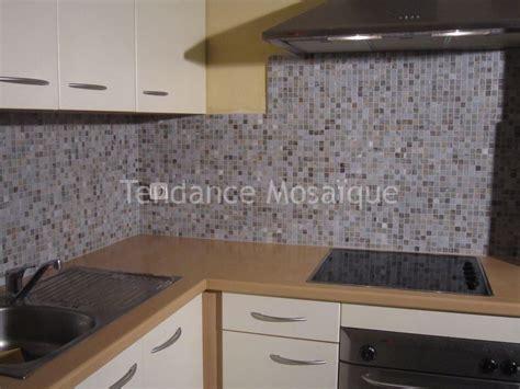 mosaique pour credence cuisine pose pâte de verre mosaique dolce mosaic crédence cuisine