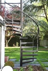 Bar Exterieur De Jardin : escalier ext rieur de la terrasse au jardin ehi escalier h lico dal industriel ~ Teatrodelosmanantiales.com Idées de Décoration