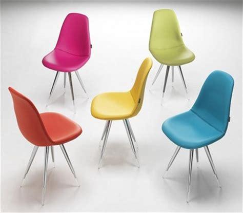 chaises cuisine couleur chaise cuisine couleur maison design wiblia com