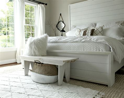 Shiplap Bed by Beautiful Homes Of Instagram Home Bunch Interior Design