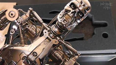 terminator   endoskeleton  scale  hot