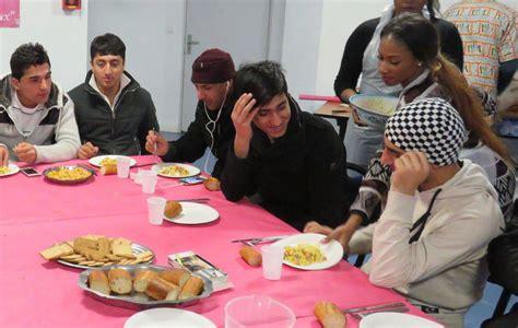 cours de cuisine essonne essonne ces migrants partagent leur premier repas de