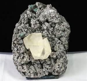 Calcite, Green Apophyllite, chalcedony – Raj Minerals Inc