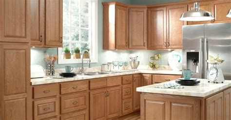 oak kitchen cabinets wall color kitchen remodel with oak cabinets and gray wall paint 7131