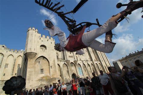 chambres d hotes vaucluse festival d 39 avignon la cour des sens en refuge
