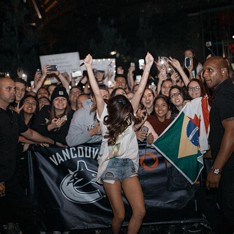 selena gomez      epic fan concert