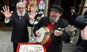 Dubliners last founder and banjo player Barney McKenna ...