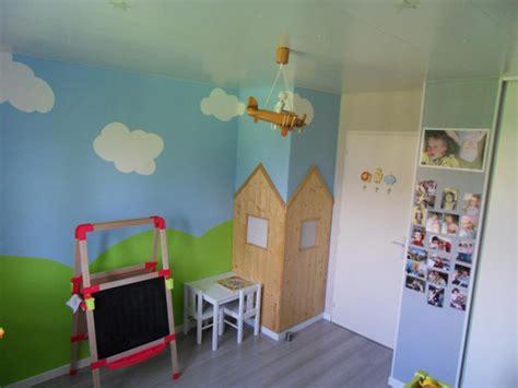 chambre enfant 2 ans d 233 co chambre gar 231 on 2 ans