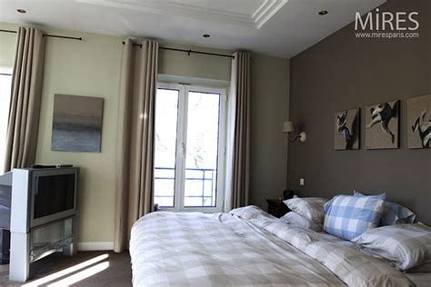 deco chambre romantique beige aplat taupe et chambre moderne c0105 mires