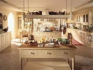 Küche Landhausstil Gebraucht : k che mit kochinsel landhausstil helle farbnuancen die ~ Michelbontemps.com Haus und Dekorationen