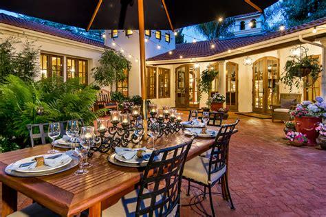 Mediterrane Terrasse Ideen by Brass Outdoor Table With Grass Patio Mediterranean And