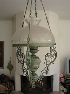 Lampe Globe Verre : lustre style ancien lampe p trole avec globe verre grav ~ Teatrodelosmanantiales.com Idées de Décoration