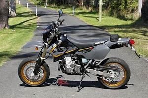 Suzuki 400 Drz Sm : review 2017 suzuki dr z400sm bike review ~ Melissatoandfro.com Idées de Décoration