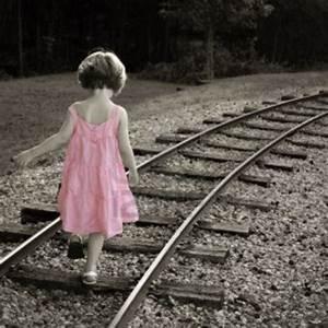 Fille Noir Et Blanc : welovewords la petite alice par lou ~ Melissatoandfro.com Idées de Décoration