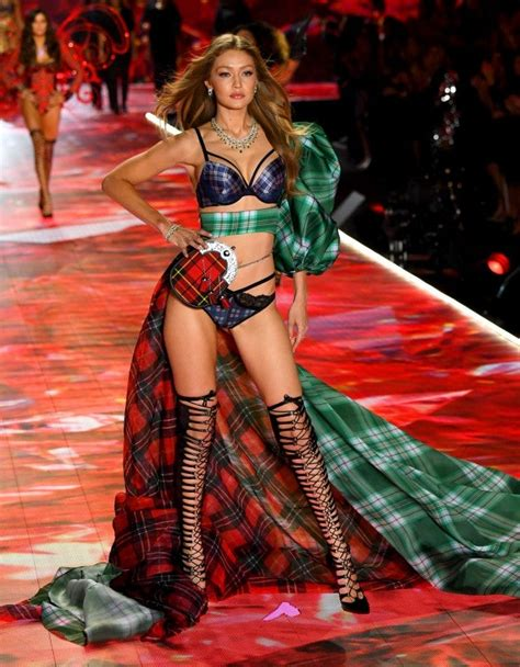 'everything happens for a reason': Gigi and Bella Hadid Are Stunning Sisters at the Victoria ...