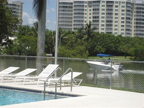 Luxury Boat Rentals Naples Fl by Vacation Condo Rental On Vanderbilt Naples Fl