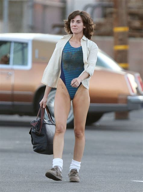 Alison Brie On The Set Of Glow In Los Angeles Hawtcelebs