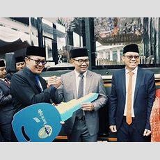 Sokong Pariwisata Daerah, Bank Bjb Dorong Target 20 Juta Wisman 2019  Okezone News