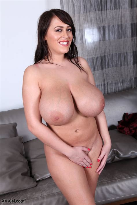 Busty Nude Babes Leanne Crow