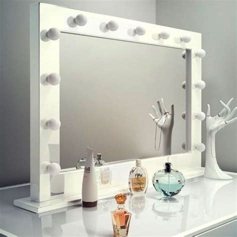 Vanity Table With Lighted Mirror Uk by 25 Best Ideas About Makeup Mirror On