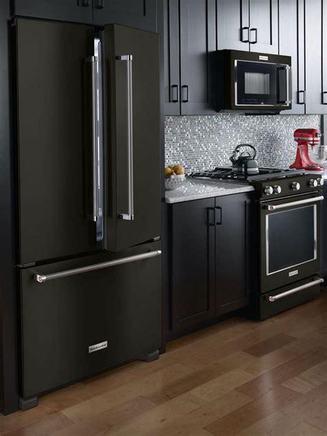sara petersons kitchen redo appliances  countertops   hgtv