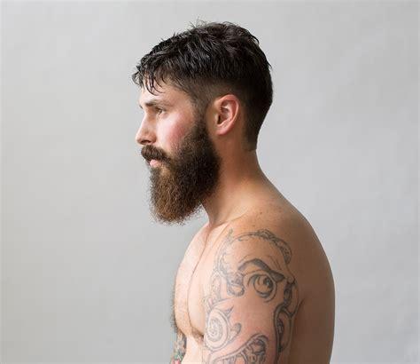 type  facial hair women find  attractive  men