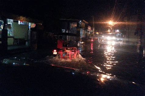 bureau rts non resident davao 911 helps residents affected by floods abs cbn